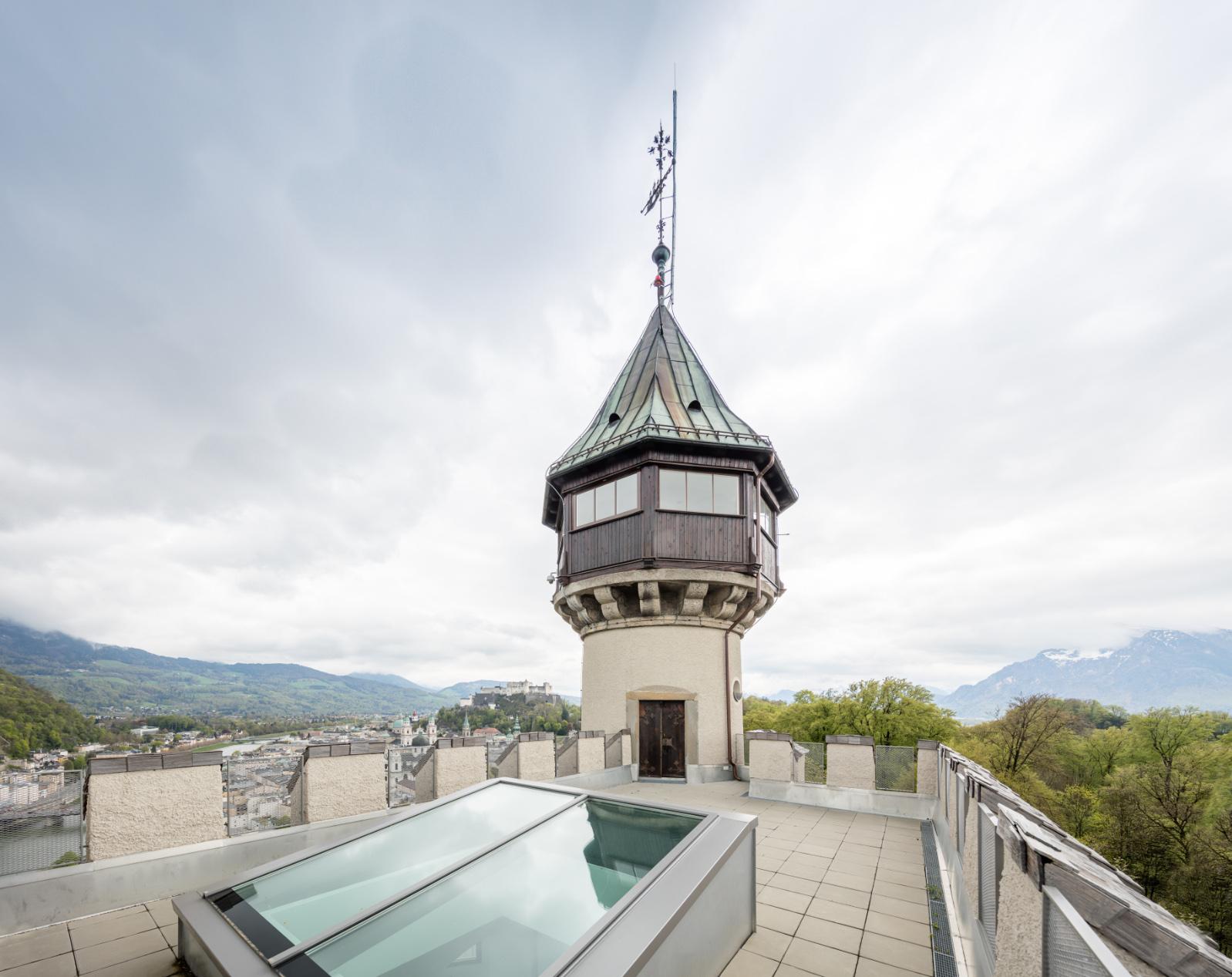 Dachterrasse über Künstleratelier